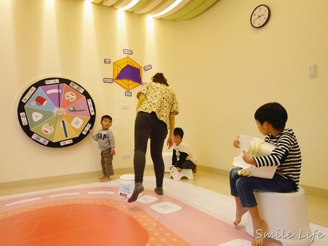 全台唯一兒童牙齒保健親子館「Okme醫遊館」超萌系小小實習生體驗式學習。宜蘭景點 親子景點 宜蘭牙醫體驗 親子diy