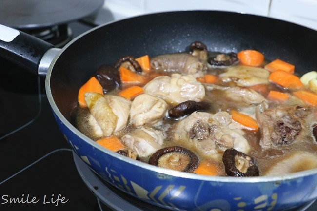 ▌食譜▌便當菜。無敵下飯「醬燒香菇雞腿」