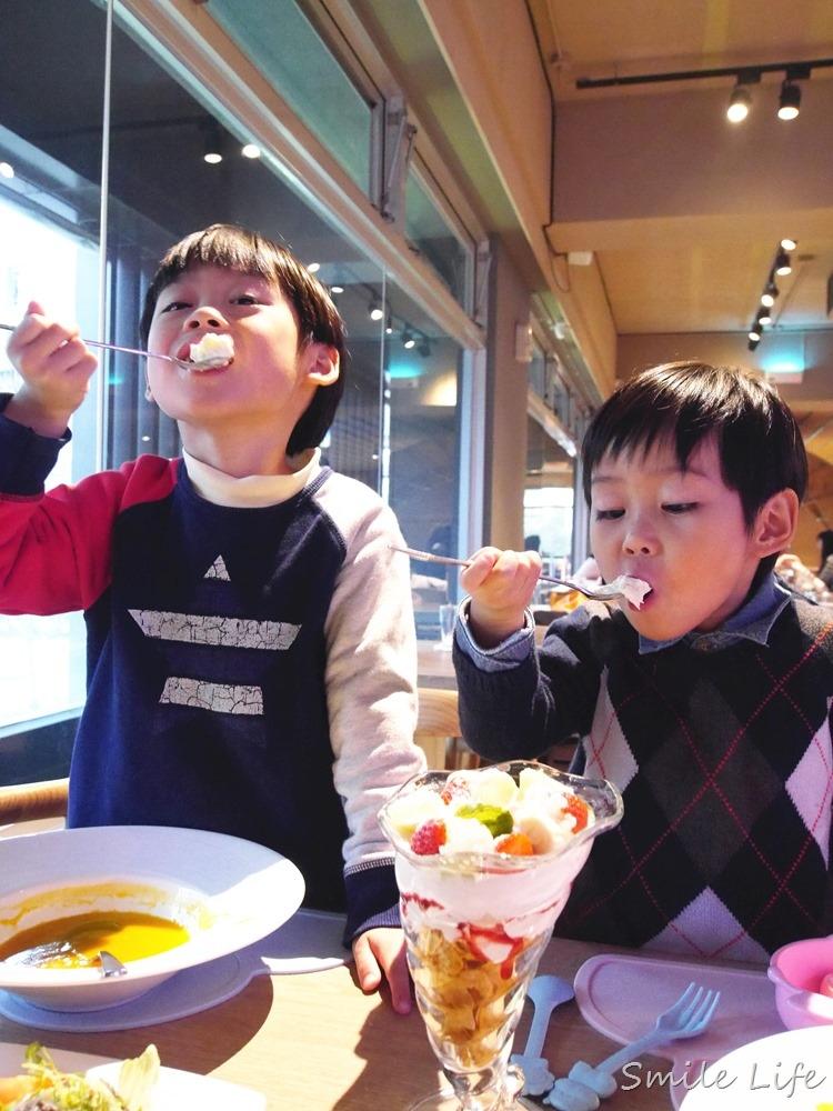 ▌台北。內湖▌五星級主廚料理Money Jump親子餐廳。夢幻旋轉木馬*動力沙*躲貓貓隧道*嚕嚕車