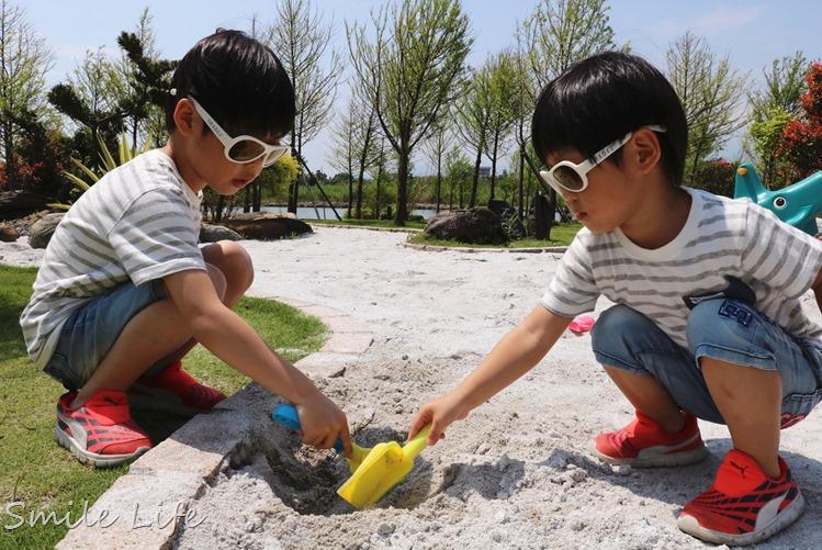 前Zara baby設計師設計。瑞士SHADEZ幼童太陽眼鏡(0-12歲)。抗UV400耐彎折安全鏡架