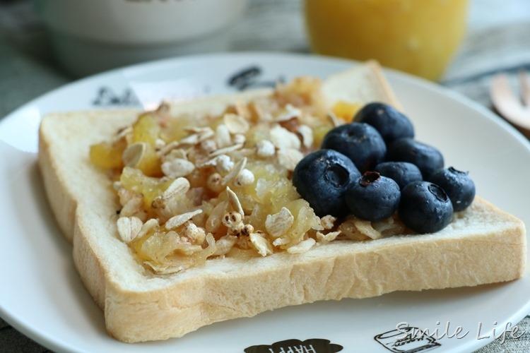家有高纖、無糖「桂格蔬果全榖餐」四季健康無負膽。還吃得到超膨派滿滿果乾哦!