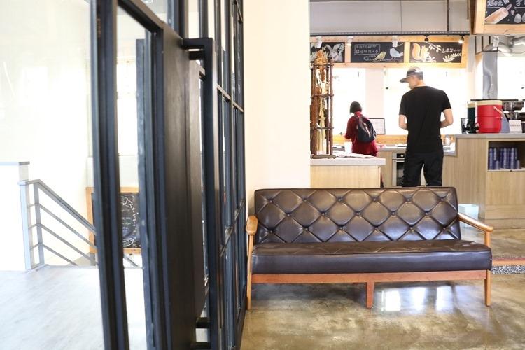 ▌台北美食▌鄰居家動手工作室NEXT DOOR CAFE(政大店)。親子廚房小主廚手作Pizza、義大利麵DIY
