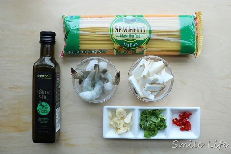 ▌食譜▌多了Q勁兒和焦香更美味「清炒香蒜鮮蝦野菇義大利麵」