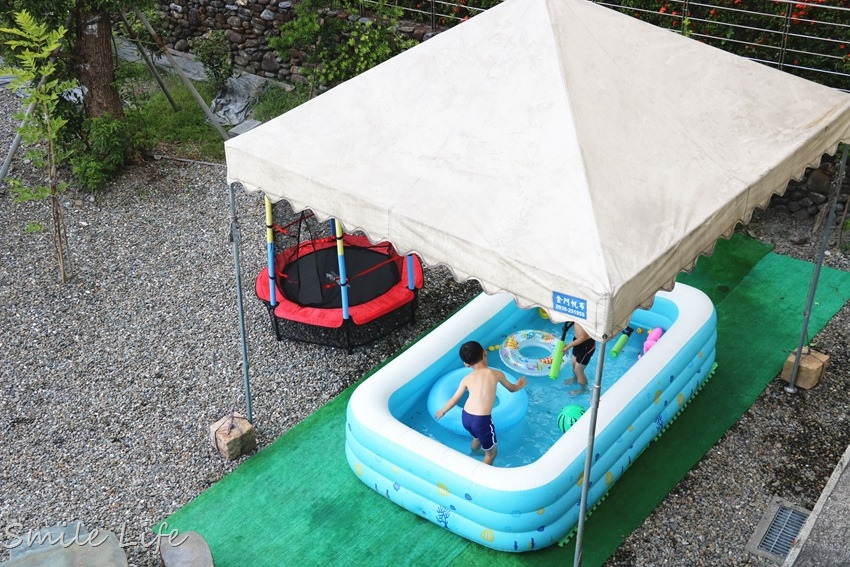▌宜蘭親子民宿▌冬山住宿「慕哲清居」溜滑梯、沙池、彈跳床、泡湯池