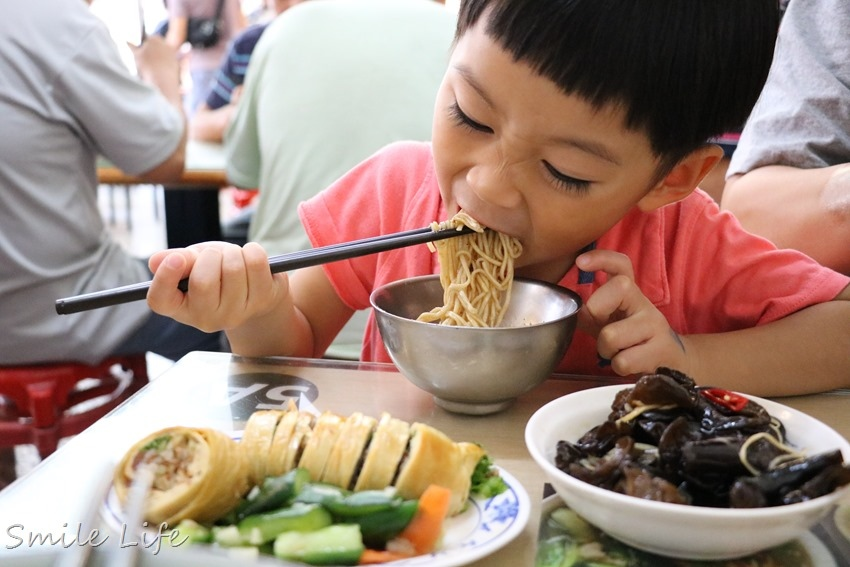 ▌宜蘭礁溪美食▌台灣小吃百大名點。在地人推薦必吃「礁溪八寶冬粉」