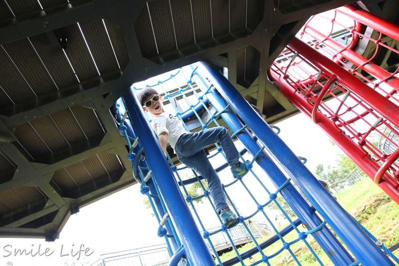 ▌新竹親子景點▌試駕福斯Tiguan。香山一日遊。萬坪草原野餐、超長溜滑梯、觀潮賞蟹步道、IG打卡秘境
