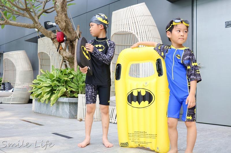 ▌6/4維媽團購預告▌英國Zoggs兒童泳衣/配件。全球限量「正義聯盟系獨家聯名限定款」帥翻整夏天。蝙蝠俠、超人裝、神力女超人