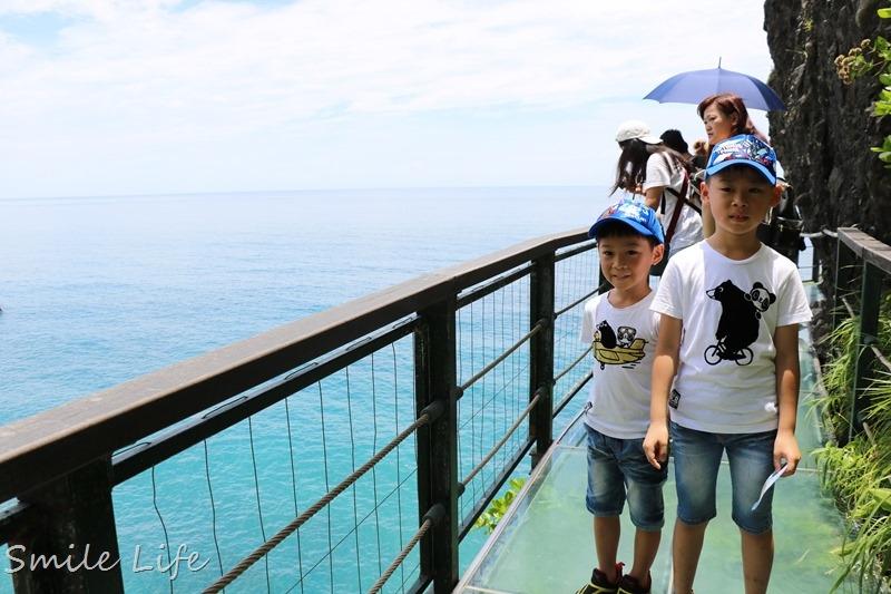 ▌花蓮景點▌全台唯一海上天空步道「親不知子天空步道」。玻璃棧道挑戰你的視覺