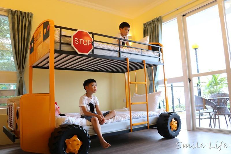 ▌花蓮親子民宿▌壽豐鄉。超酷巴士親子房「海蜻蜓海景民宿」。一走出陽台就能擁有全台灣最美東海岸的天然景致