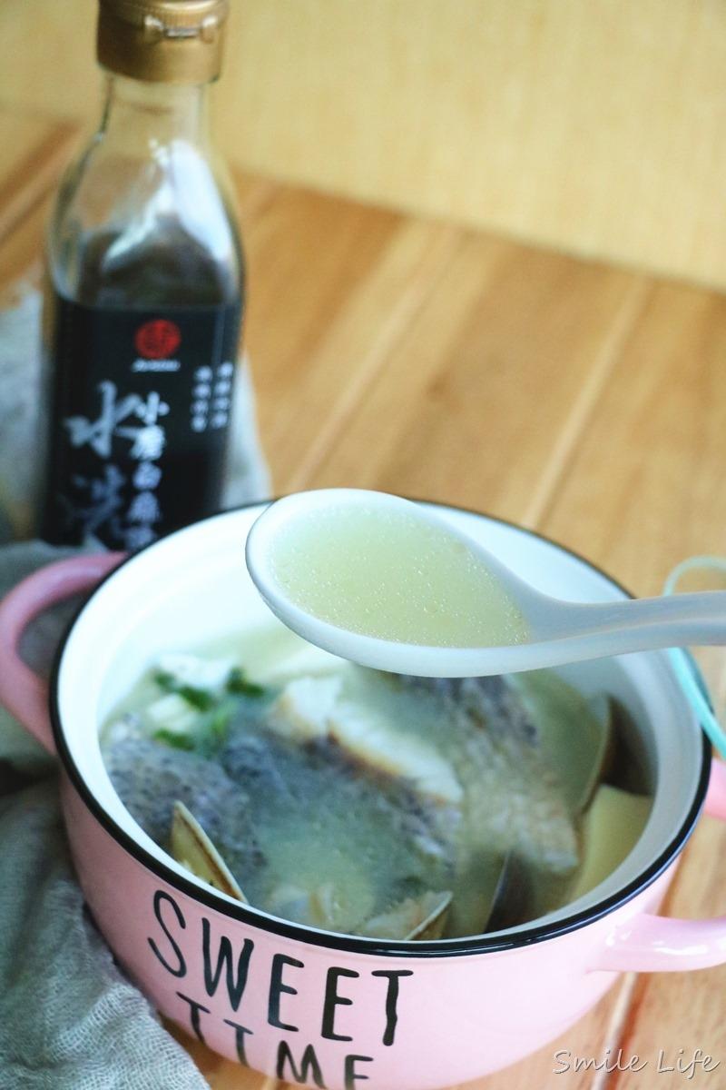 ▌食譜▌入秋暖食補(真老小磨白麻油)。櫛瓜炒肉末、麻油杏鮑菇松阪豬、鱸魚豆腐鮮蛤湯