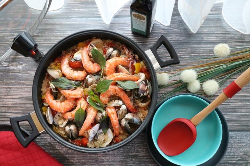 ▌食譜▌用主廚御用「Aero Chef韓國空氣鍋/不沾鍋」煮海鮮燉飯。免攪拌、免顧火、不黏底 一鍋到底