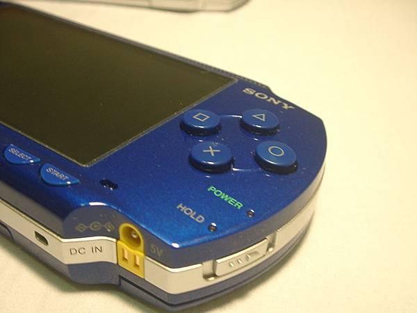 PSP 藍色右邊按鍵