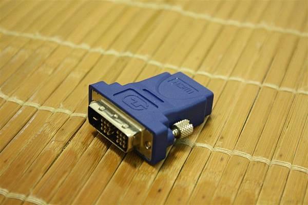 DVI-D 轉 HDMI(DVI 端)