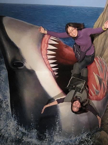 被鯊魚吃還這麼高興?