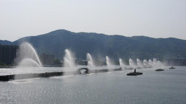 琵琶湖畔噴水表演
