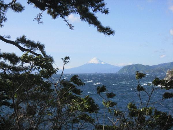 路邊發現富士山