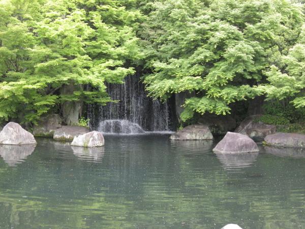 好古園小瀑布