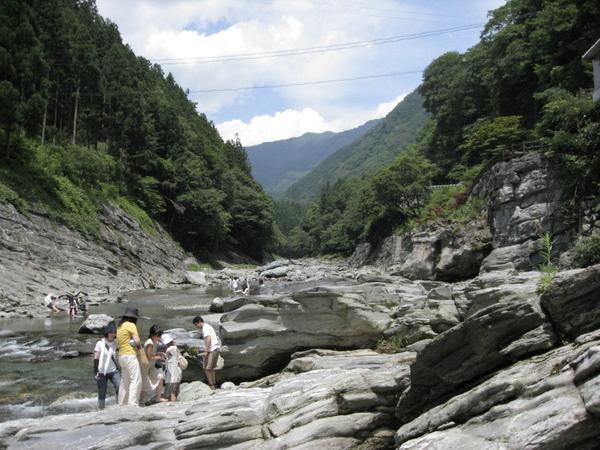 溪谷照另外一邊的風景