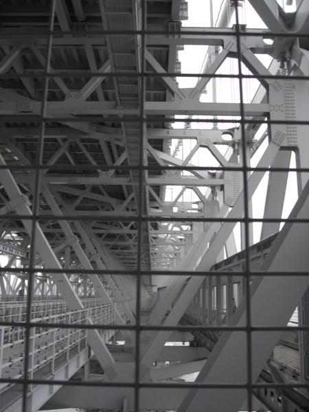 鳴門大橋架構
