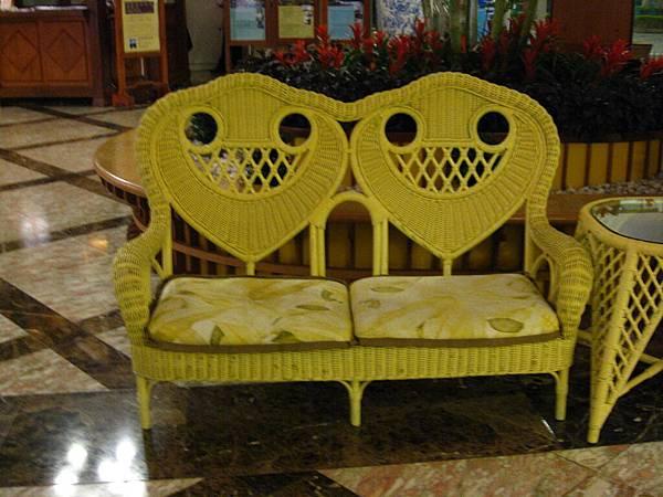 有臉的椅子