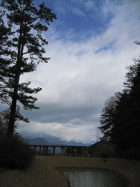 鴛鴦湖另一角
