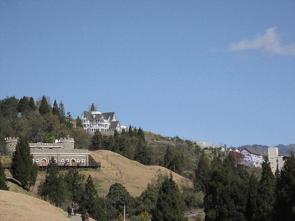 草原上的城堡