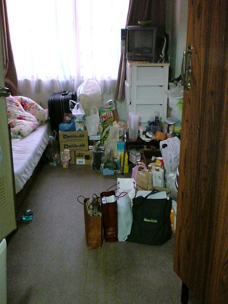 堆滿東西的房間