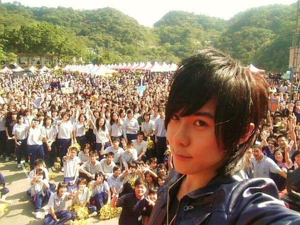 071027二信校慶返校演唱2.jpg