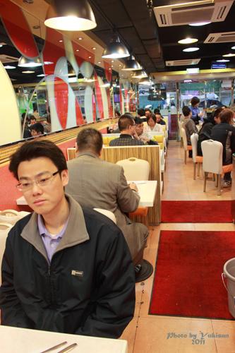 2011033114 2011香港探親血拼自由行(8)油麻地閒逛到旺角、味皇餐廳小廚港式早餐