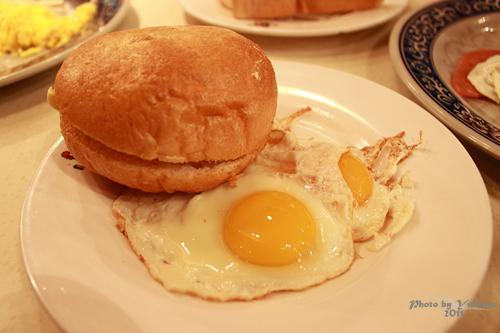 2011101107 2011香港二度血拼自由行(10)澳門冰室吃到多種港式早餐