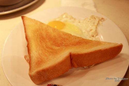2011101109 2011香港二度血拼自由行(10)澳門冰室吃到多種港式早餐