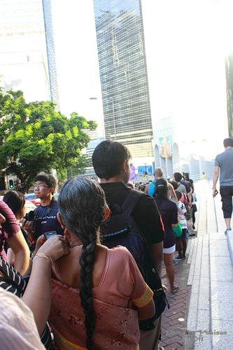 2011121903 2011香港二度血拼自由行(15)排超久的太平山山頂纜車