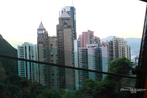 2011121910 2011香港二度血拼自由行(15)排超久的太平山山頂纜車