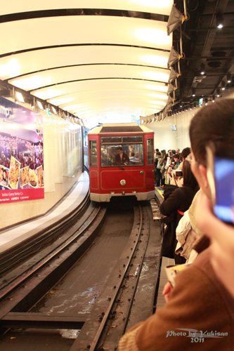 2011041126 2011香港探親血拼自由行(14)太平山山頂纜車