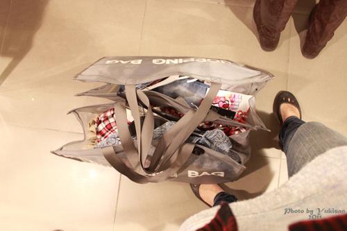 2011032444 2011香港探親血拼自由行(4)中環H&M旗艦店好好買
