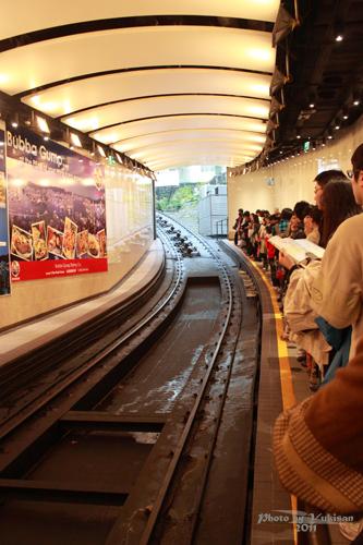 2011041125 2011香港探親血拼自由行(14)太平山山頂纜車