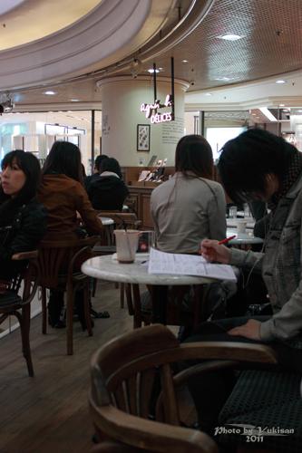2011032833 2011香港探親血拼自由行(6)銅鑼灣時代廣場吃agnès b.下午茶
