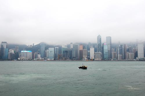 2011041032 2011香港探親血拼自由行(13)天星小輪橫渡維多利亞港