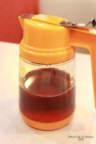 2011033112 2011香港探親血拼自由行(8)油麻地閒逛到旺角、味皇餐廳小廚港式早餐