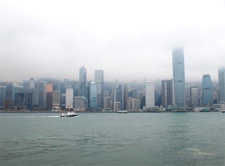 2011041036 2011香港探親血拼自由行(13)天星小輪橫渡維多利亞港