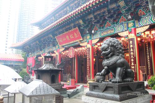 2011040116 2011香港探親血拼自由行(9)黃大仙廟雨好大哩!