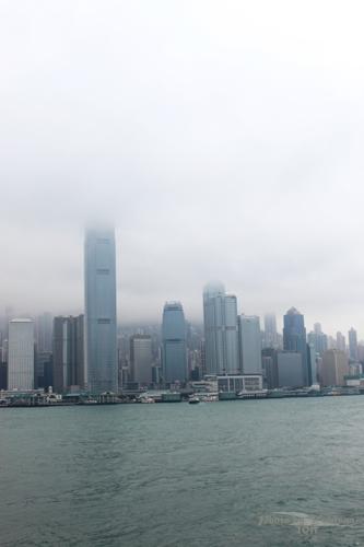 2011041035 2011香港探親血拼自由行(13)天星小輪橫渡維多利亞港