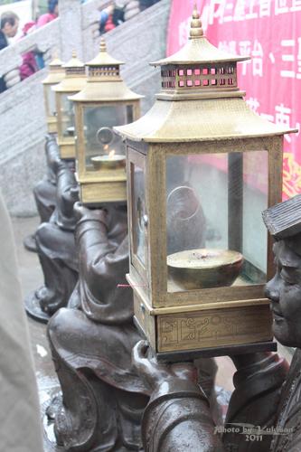 2011040109 2011香港探親血拼自由行(9)黃大仙廟雨好大哩!