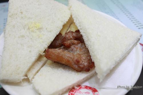 2011041612 2011香港探親血拼自由行(17)義順牛奶公司的燉奶超好味