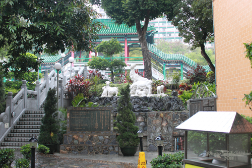 2011040123 2011香港探親血拼自由行(9)黃大仙廟雨好大哩!