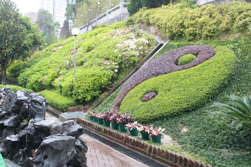 2011040128 2011香港探親血拼自由行(9)黃大仙廟雨好大哩!