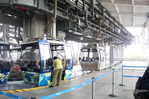 2011042014 2011香港探親血拼自由行(19)昂坪360纜車