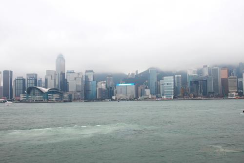 2011041031 2011香港探親血拼自由行(13)天星小輪橫渡維多利亞港
