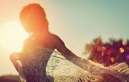 female,sun,sunlight,inspiration,sunshine,makes,me,happy,girls-2225691b4c90ec45418d2ed8290ef0a1_h_large.jpg