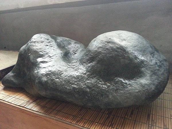 雙峰競秀-輝綠岩-3.jpg